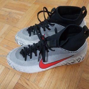 Nike youth shoe size 5